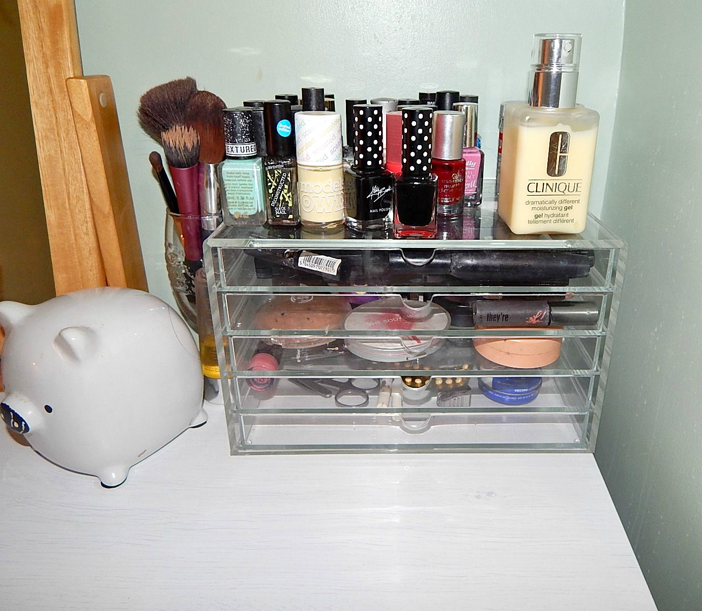 Makeup Storage 2 & Makeup Storage: When A Grubby Makeup Bag Isnu0027t Good Enough | Vanity ...