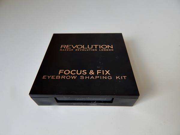 Makeup Revolution Eyebrow Kit 1