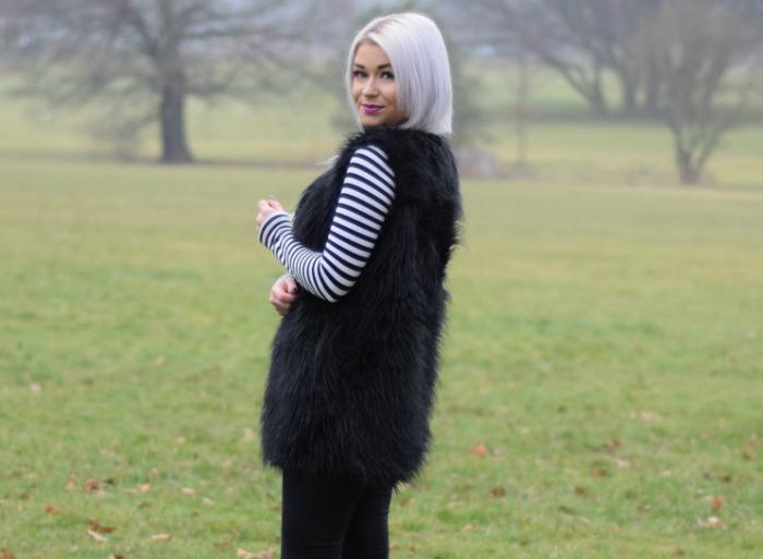 Fashion Blogger Faux Fur Gilet
