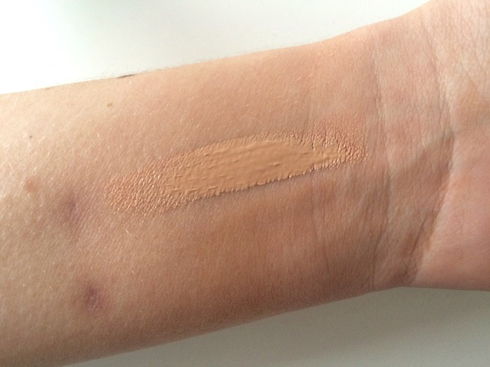 Clarins Everlasting Foundation Swatch 2