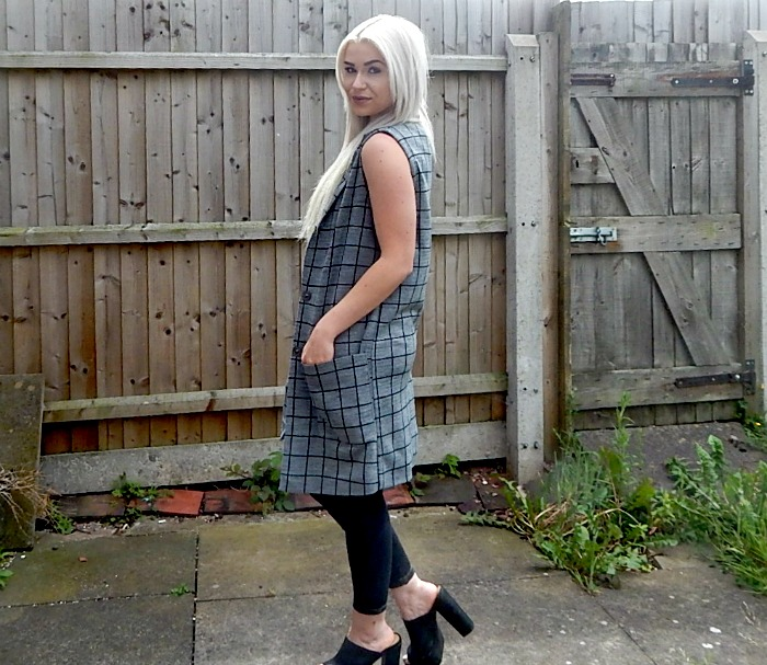 Fashion Blogger Sleeveless Duster