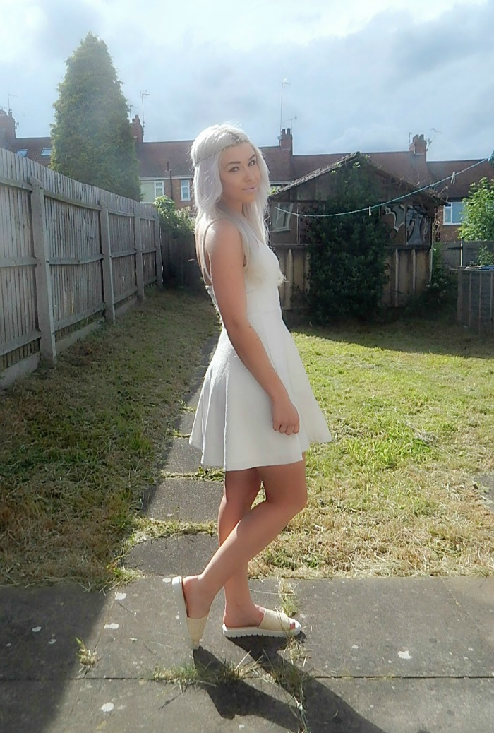 Fashion Blogger White Dress